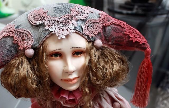 В Риге открылась галерея авторской куклы художницы Владлены