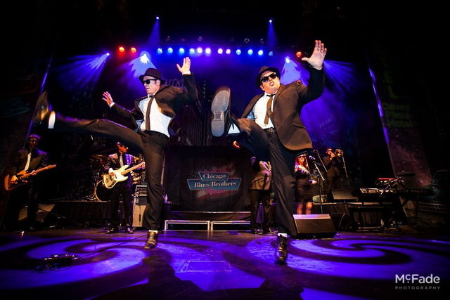 17-23-Chicago_Blues-Brothers_opt
